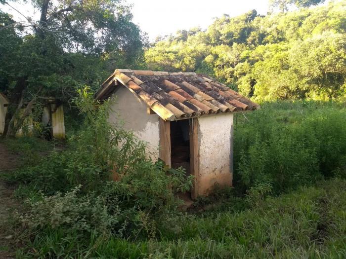 Sítio A Venda Em São Thomé Das Letras no Rural Barro Branco
