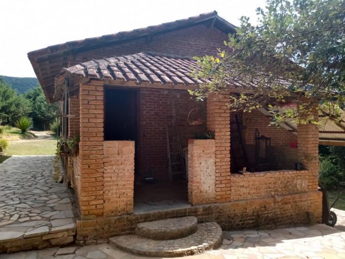 Sítio A Venda Em São Thomé Das Letras no Rural Canta Galo